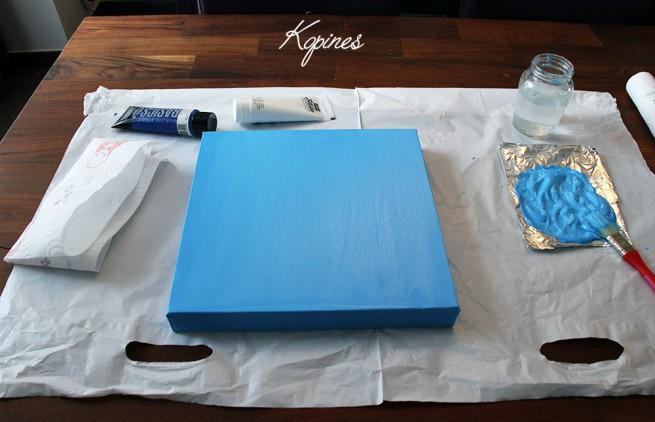 cadre peint en bleu
