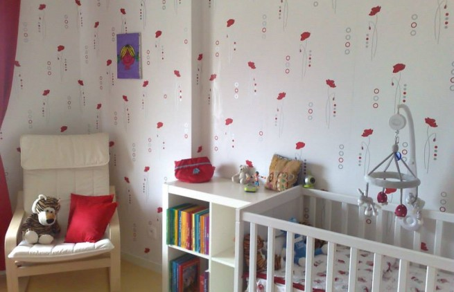 la chambre rouge et blanche de yelin id es d coration. Black Bedroom Furniture Sets. Home Design Ideas