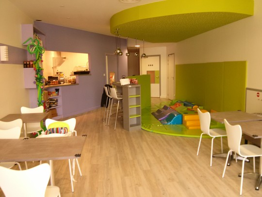 pause the kids caf pour les enfants toulouse. Black Bedroom Furniture Sets. Home Design Ideas