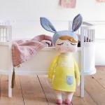 poupée lapin trompette store