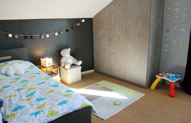 La chambre grise et verte de Noah - Kopines