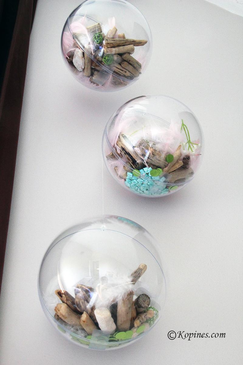 boules en platique décorées