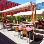 la-vie-en-rose-hotel-radisson-blu-la-terrasse-en-ete-b93ff